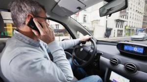 Choisir entre conduire et téléphoner